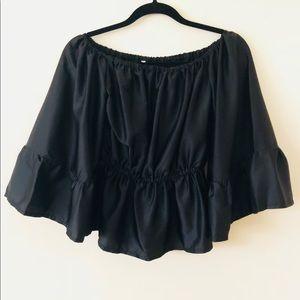 Tops - Silk black statement top
